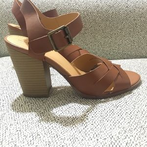 MELROSE and MARKET   Cognac Leather open toe shoes